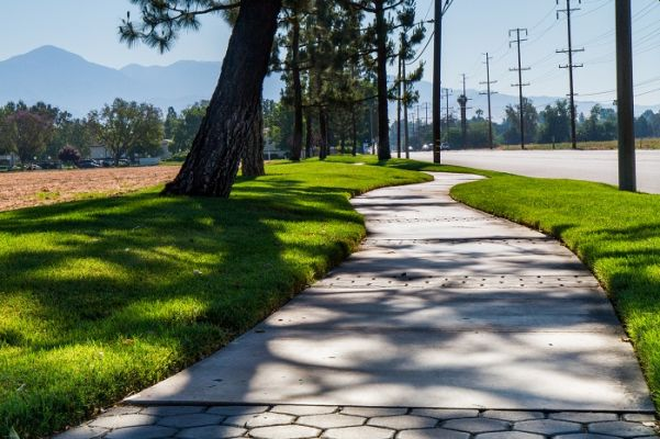 Walking path on Redlands Boulevard